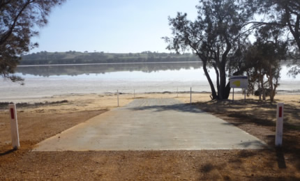 Queerearrup Lake boat ramp