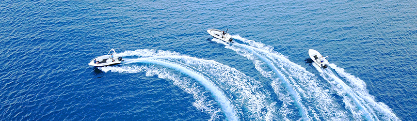 Image of three speedboats